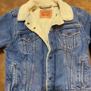 Ladies Levi's Sherpa lined denim jacket size small
